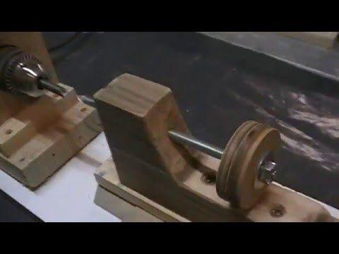 fabriquer un mini tour bois entrain par une perceuse. Black Bedroom Furniture Sets. Home Design Ideas