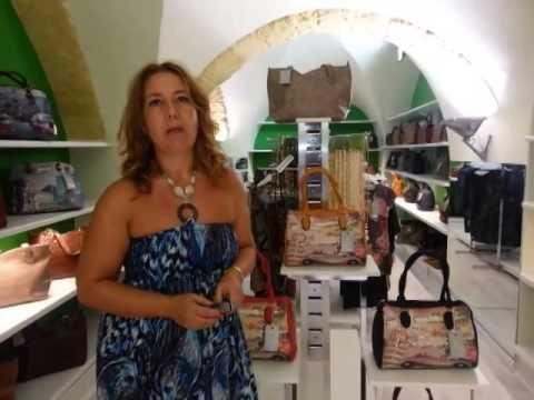"""Intervista Neo Affiliata Kikiamo in Sardegna.  Kikiamo è il franchising in conto vendita di accessori moda, borse, bijoux ed abbigliamento donna """"made in Italy"""" Se vuoi conoscere il nostro mondo seguici su facebook https://www.facebook.com/kikiamofranchising o vai sul sito http://www.kikiamobijoux.it e su http://www.kikiamo.it  Se sei interessato al nostro progetto franchising in conto vendita visita http://www.franchising.kikiamo.it   numero verde 800 129 772 email…"""