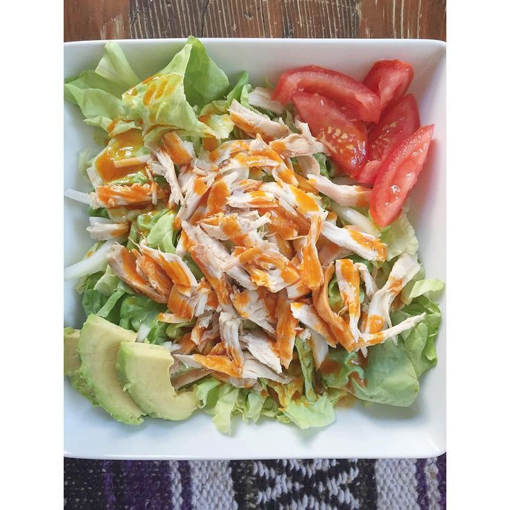 Buffalo salad: butter lettuce (would use spinach, though), roasted chicken, tomato, avocado + Frank's Red Hot (mixed with melted ghee).