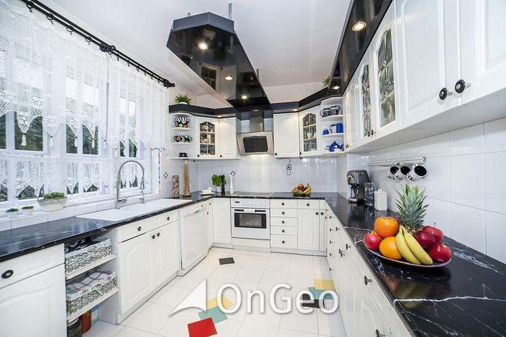 Dom na sprzedaż #Duży, #komfortowy #dom w centrum Kobyłki! Przestronne wnętrza, otwarta przestrzeń! Ten dom to idealna propozycja dla dużej rodziny lub jako inwestycja pod działalność gospodarczą - żłobek, przedszkole, biuro rachunkowe lub pracownię artystyczną. #domnasprzedaż #domyWarszawa #kuchnia