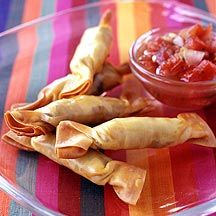 Mexican Beef and Cheese Wontons with Salsa ooh