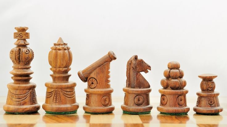 Handcarved Cannon Chess Set Shesham Rose Wood