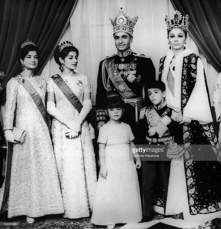 From Left To Right: Ashraf Pahlavi, Princess Shahnaz Pahlavi, His Imperial Highness Shahanshah Arya Mehr, The Empress Of Iran Farah Diba, Princess Farahnaz And Crown Prince Reza-Pahlavi During The Crowning Of The Emperor And Empress In Tehran On November. (Photo by Keystone-France/Gamma-Keystone via Getty Images)