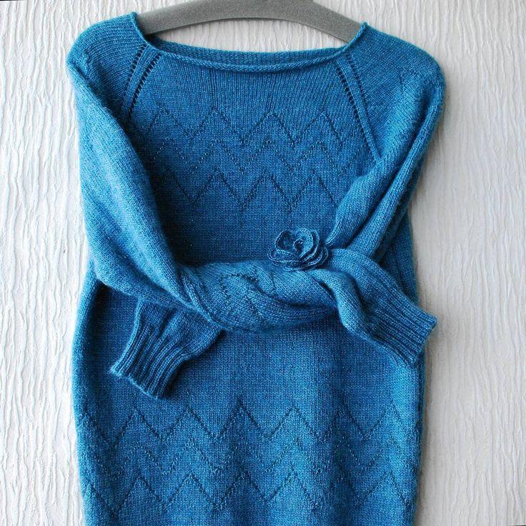 Свитер для себя) Простой, легкий, мягкий и тёплый☺ Вообщем, эксперимент с ввязыванием бисера по ходу работы меня устроил))) #вязание #knitting #knit #knitstagram #вяжутнетолькобабушки
