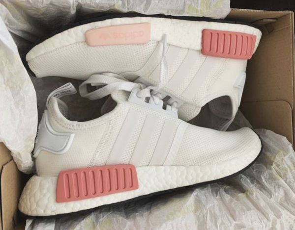 Women S Adidas White Rose Nmd R1 In 2020 Aesthetic Shoes