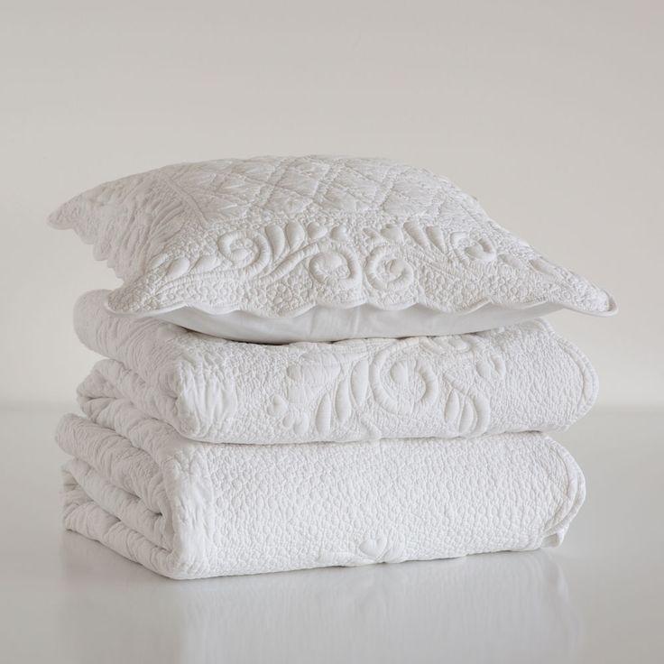 Trapunta e federa da cuscino motivo a rilievo