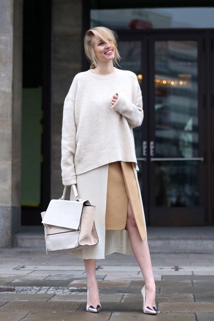 Ohh Couture By Leonie Sophie   27. Januar 2015 Nude layers – MBFWB Day III   | Pullover: Zara  Heels: Zara  Cape: H&M  Trapeze bag: Zara  Skirt: Zara  Long blouse: H&M