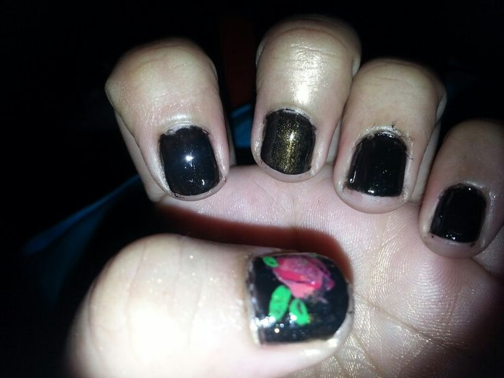 Tried rose nail art today...
