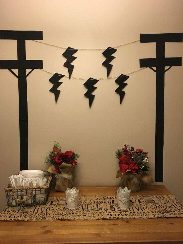 easy lineman party decor using bristol board jute and. Black Bedroom Furniture Sets. Home Design Ideas