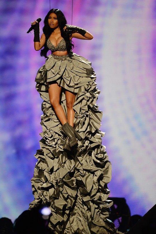 Όλα όσα έγιναν στα Mtv EMA s 2014 - Celebrities | Ladylike.gr