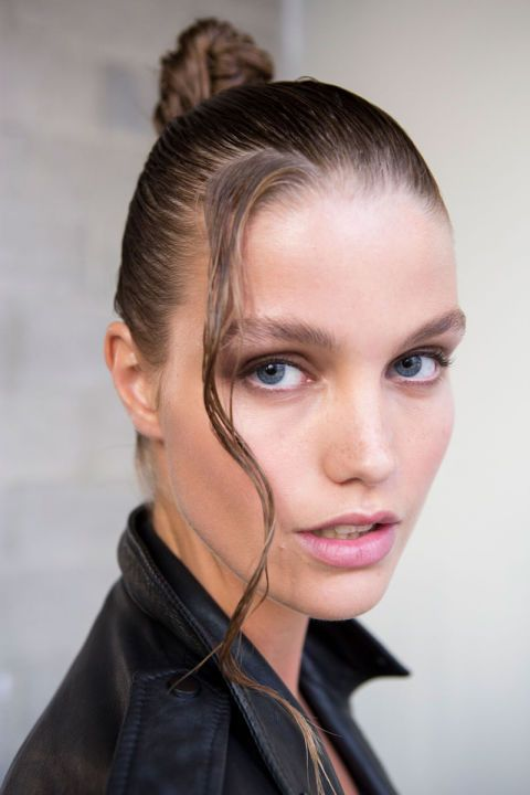 The Look: Wet Hair, Don't Care How-To: When you think of beachy hair, you don't…