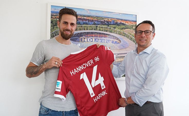 Hannover 96 sign Martin Harnik on a free
