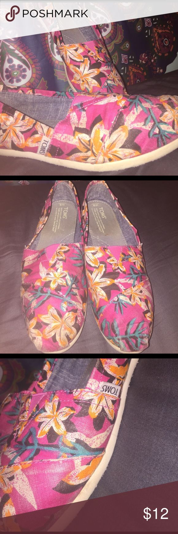 Floral Toms These shoes have received some love and they have some scruff marks on the toes and sides. Other than that and slight wear on the inside and bottom, these shoes are in good shape. MAKE OFFERS!! will go lower TOMS Shoes Flats & Loafers