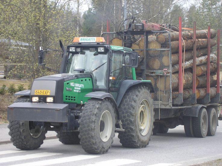 valtra tractors | Description Valtra lumber tractor Jyväskylä.JPG