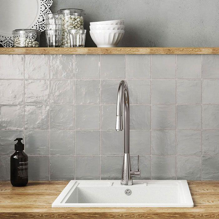 Wandtegel 10x10 grijs handvormlook grey - Artikelcode: TOZCW135. - Nu in de aanbieding voor slechts € 37,50 p/m2 incl. BTW bij Tegels in Huis.nl