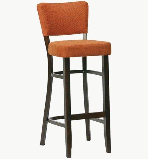 Barstol med klädd sits och ryggparti, många tyger och träfärger att välja på. Barstolen är tillverkad i trä med bets samt med ett sittskal som är stoppat/klätt. Stolen väger 7,6 kg, vilket är en normal vikt för  Tyg Lido 100 % polyester, brandklassad. Tyg Luxury, 100 % polyester, brandklassad. Konstläder Pisa, brandklassad, 88,5% PVC, 11,5% polyester.