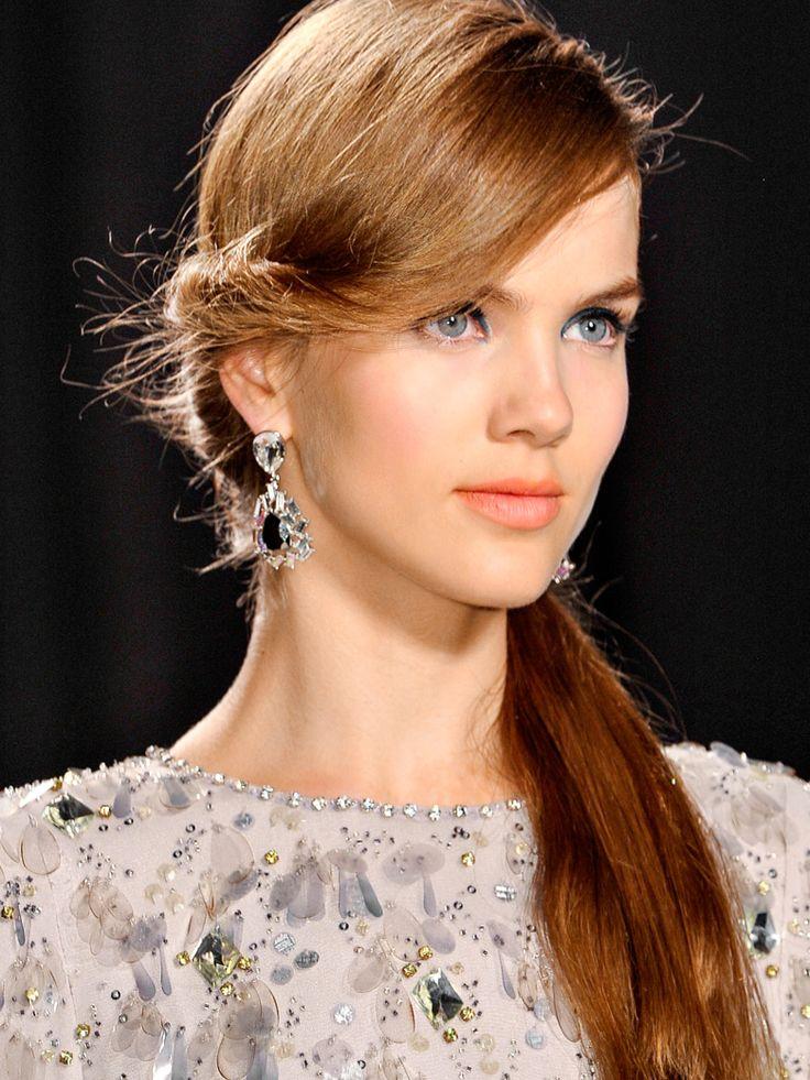 50 coiffures de mariage tendances 2013 http://fuupon.com/