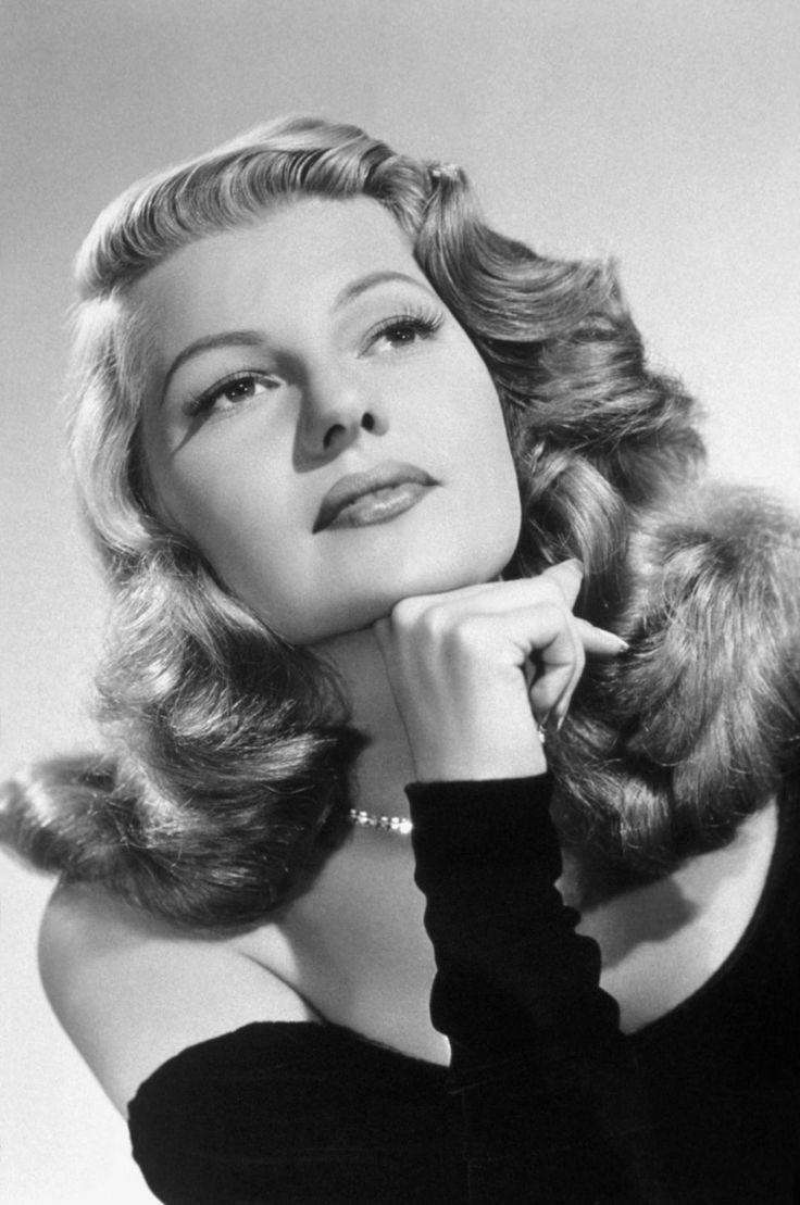 Rita: Beautiful Dame, Happy Birthday, Rita Hayworth, Hollywood Glamour, Hollywood Stars, Classic Beautiful, Awesome People, Beautiful People, Beautiful Pictures