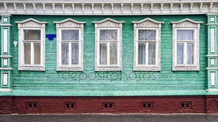 Rosyjski rzeźbione ramy drewniane domy — Obraz stockowy #76582277
