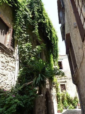 Old Rhodes town street (Alen_T, Sep 2011)  Medieval fairytale