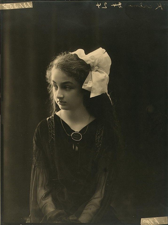 2162 best Vintage Portraits (People) images on Pinterest ...