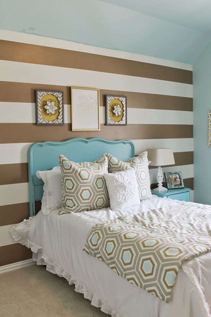 Gold and Turquoise mixed bedroom