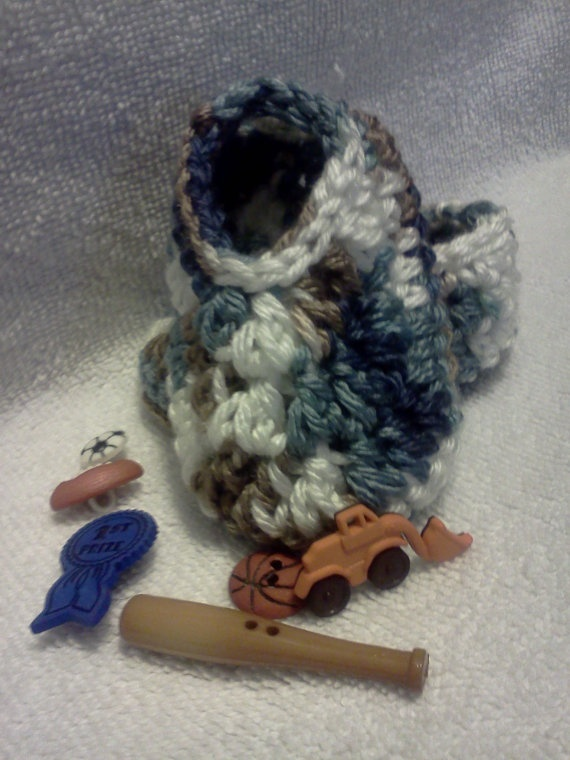 Baby Booties Slippersin Shades of Blue by grammalea on Etsy, $8.00: Babies, Slippersin Shades, Blue, Baby Booties, Grammalea Etsy Com, Booties Slippersin