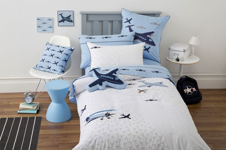 Flying for boys aged 3-10 years. Print, applique and embroidery detail.  Coordinating sheet set with embroidery detail on cuff. 225TC Polyester Cotton Available in:  Quilt Cover sets- SB, DB & QB    Sheet Sets - SB & KSB     45 x 45 cm  Filled Cushion 30 x 45cm Filled Cushions http://store.dreamtimeaustralia.com.au/product/flying