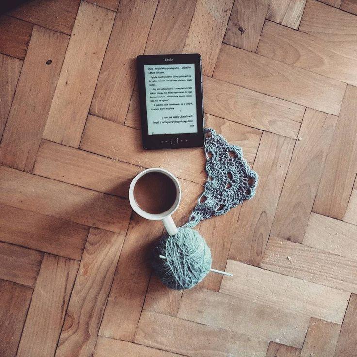 Koc nieskończony ale już go mam dość na zdjęciach ;) #szydełko #szydelkowanie  #recznarobota #recznierobione #niezchinzpasji #handmade #crochet #crocheting  #instacrochet  #instayarn #yarn #crochetblanket #crochetdecor #Coffee #coffeetime #ilovecoffee #instacoffee #coffeeporn #book #books #read #ilovereading #ilovebooks #bookporn #instabook #kochamksiazki by aidendecou