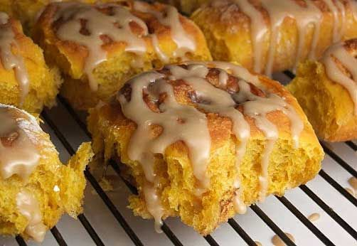 Amish Pumpkin Cinnamon Rolls w/ Caramel Icing: powdered sugar, bread ...
