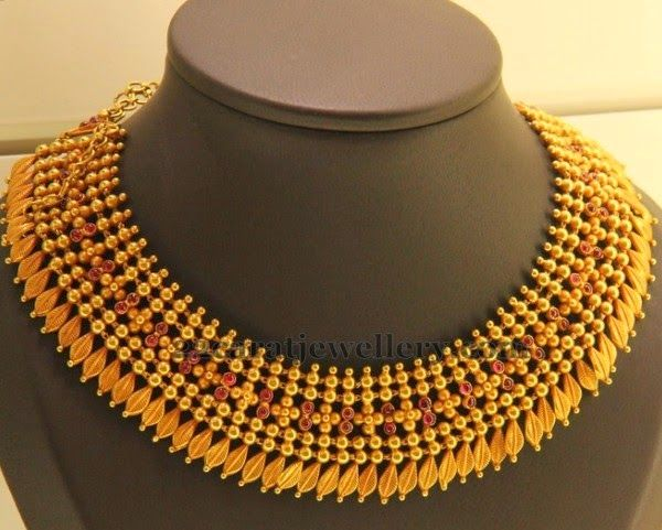 Jewellery Designs: Gold Simple Bits Necklace