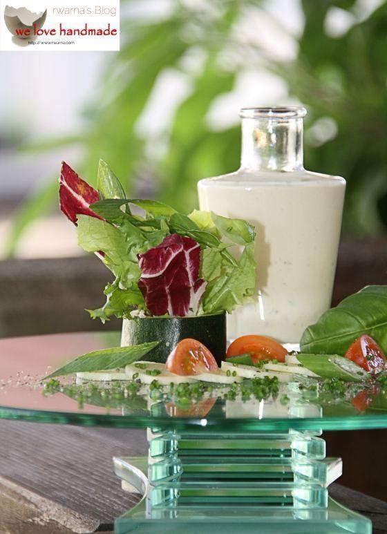French Dressing - statt Eigelb kann man auch 1 gestrichenen Teelöffel Johannisbrotkernmehl zugeben