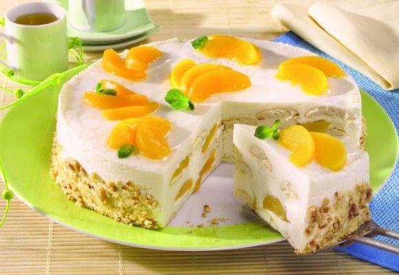 Tort cu pişcoturi, iaurt şi piersici din compot   Click! Pofta Buna!