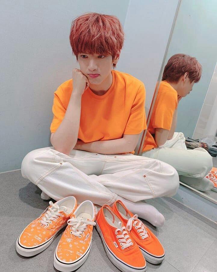Pin By Nath Moreno On Flytohweseung Jaehyun Vans Sneaker Kpop Idol