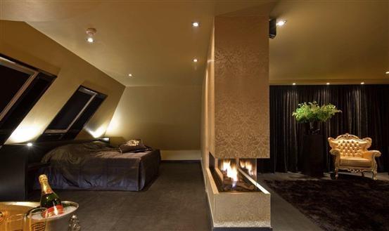 Hotel Van De Valk Emmen Luxus Suite