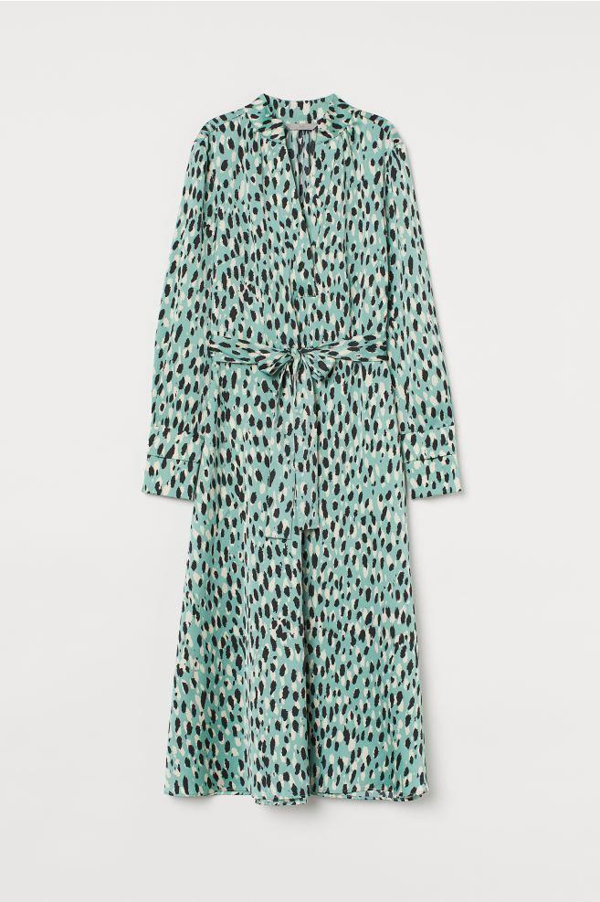 Pdp In 2020 Satinkleid Wadenlanges Kleid Leopardenmuster