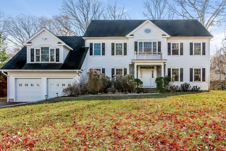17 Rising Road in Norwalk, CT. Elegant Norwalk home for sale. Beautiful curb appeal. Contact Higgins Group Real Estate for more details. http://higginsgroup.idxre.com/homes/20/4591/17-RISING-ROAD-NORWALK-CT-06850/99086522