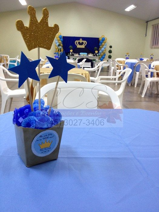 Decoração festa menino principe azul dourado ccs decorações e eventos centro de mesa