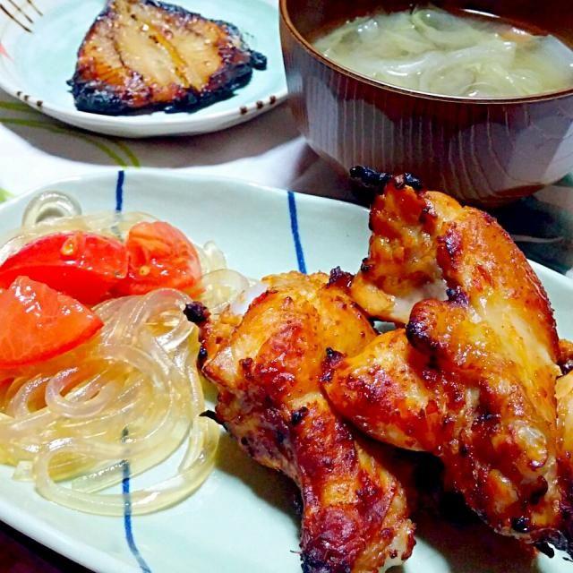 *鶏手羽元のオーブン焼き *くずきりとトマトのサラダ *ひじきと大豆の煮物 *アジみりん干し *味噌汁 - 70件のもぐもぐ - 晩御飯 by yukimaru218