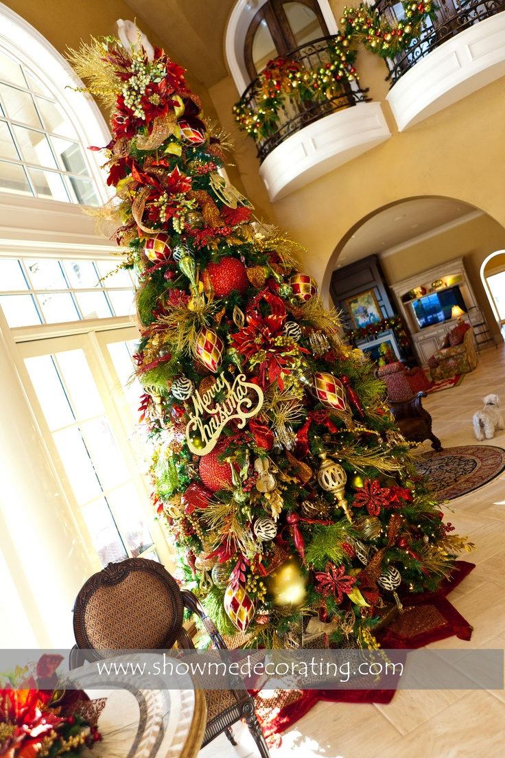 Red and gold christmas tree decorating ideas - I Think A Red Gold Tree This Year