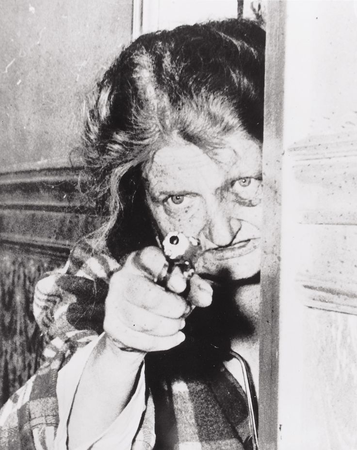 Nellie with Gun photo by Stan Healy