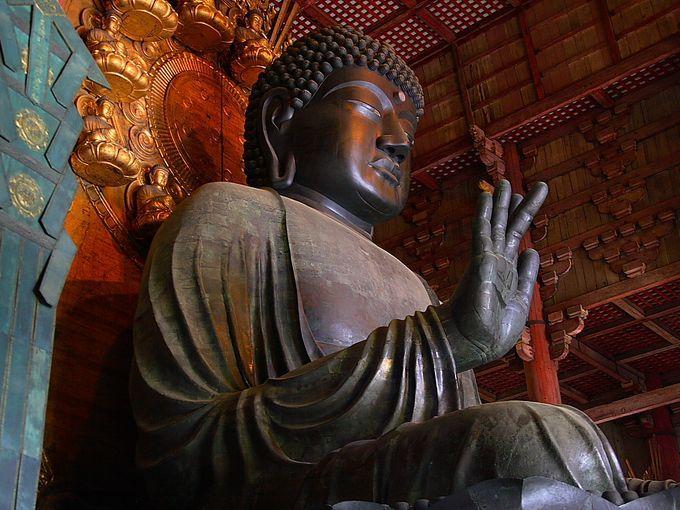 奈良の大仏は日本一大きいです