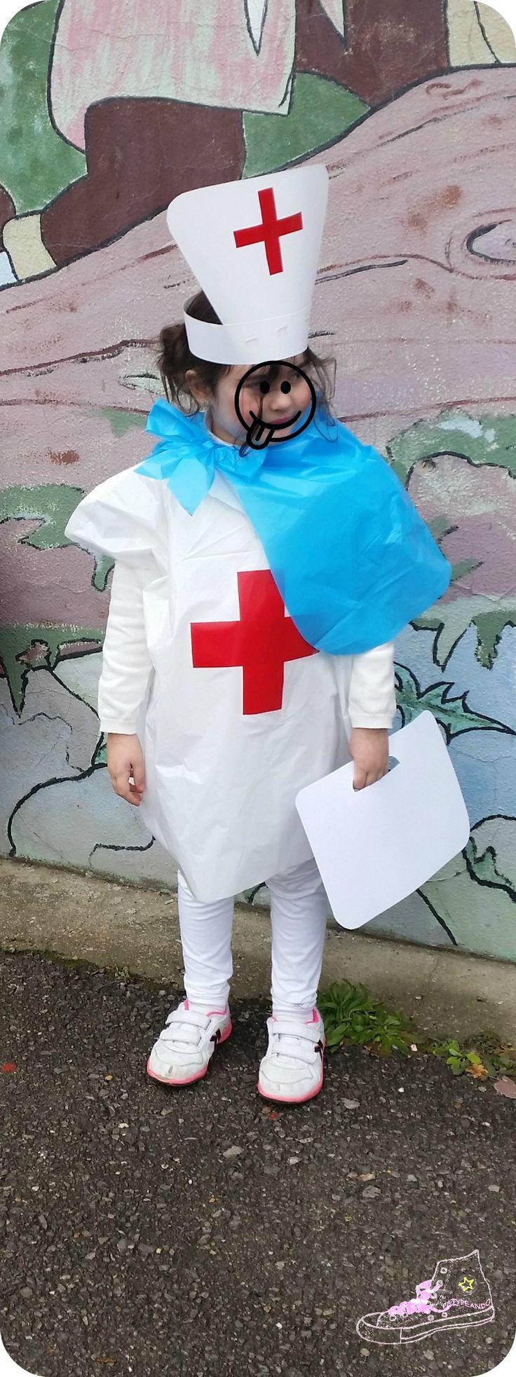 Disfraz fácil de enfermera con bolsa blanca de basura http://www.multipapel.com/familia-material-para-disfraces-maquillaje-bolsas-de-color.htm