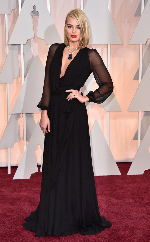 Margot Robbie Debuts Shorter Haircut at the 2015 Oscars, Stuns in Plunging Black Gown & Massive Vintage Necklace—Look!  Margot Robbie, 2015 Academy Awards Oscars