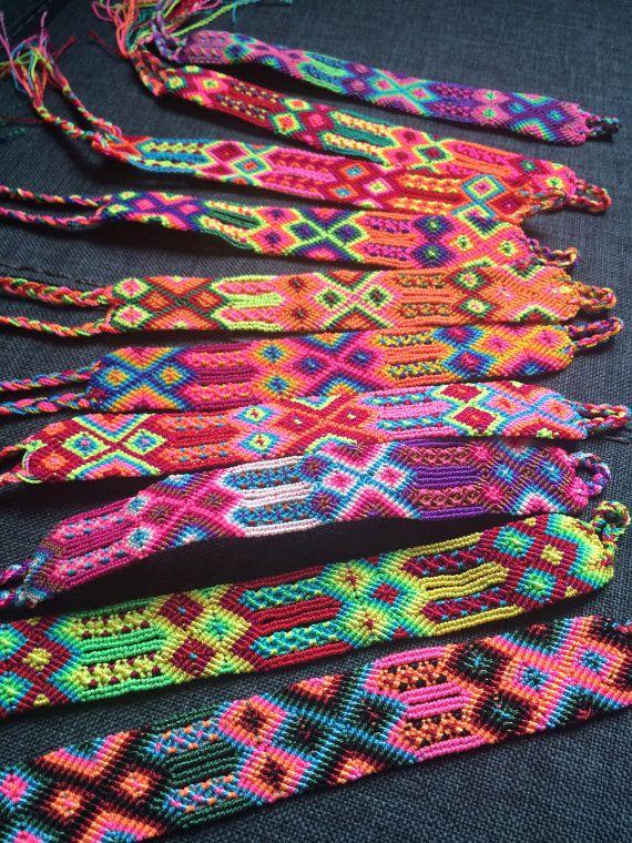 Hand woven bracelet of 24 threads / macrame by ChiapasbyJUBEL