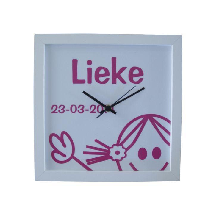 geboorteklok: te maken met een leuke afbeelding, naam/datum of n.a.v. het geboortekaartje. www.geboorte-kado.com #kraamcadeau #geboortekado