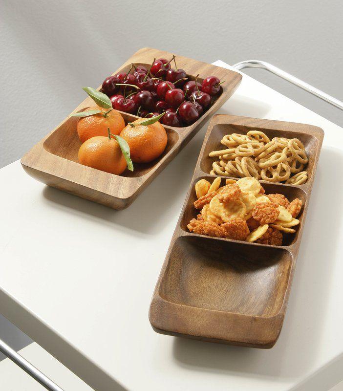 Servierschalen/Servierplatte um Früchte, Käse oder andere Snacks zu präsentieren auf dem Esstisch.