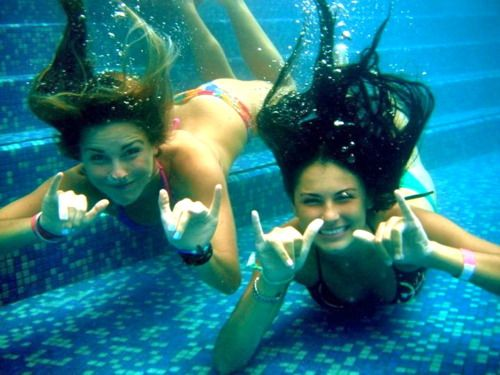 I'm so buying a water camera to take pics when I go swimming with my best…