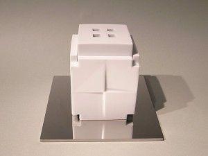 和田 的 白磁香炉「Cube」