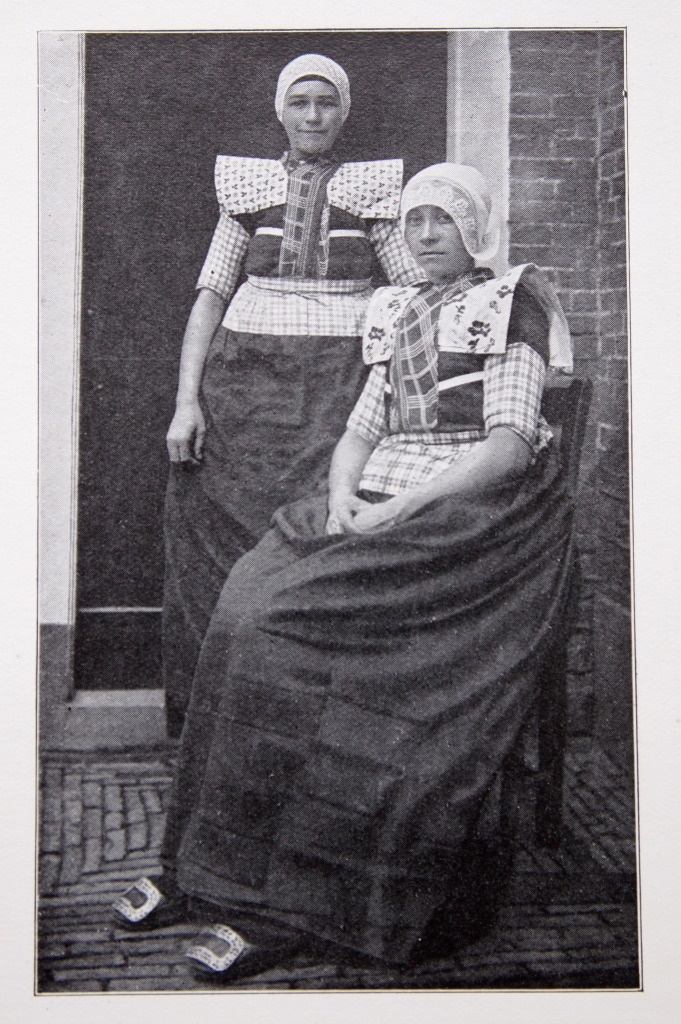 Dutch women would wear up to seven underskirts, making them look much bigger than they actually were. And all skirts should be topped with an apron naturally